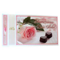 Nowożeńcom w Dniu Ślubu. Pamiątka zawarcia sakramanetu (czekoladki róż)