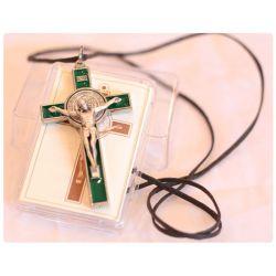 Krzyż św. Benedykt zielony